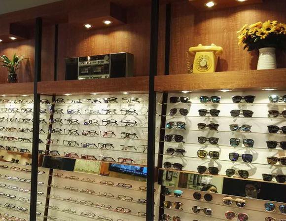 深圳眼镜店装修,深圳眼镜店设计